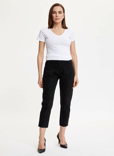 DeFacto V Yaka Basic T-Shirt Beyaz